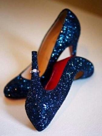 What Colour Shoes To Wear With Dark Blue Sequined