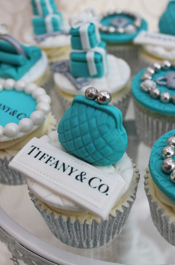 Cupcake Decorating Ideas Blue : How to Plan a Classy Tiffany Blue Quinceanera - Quinceanera