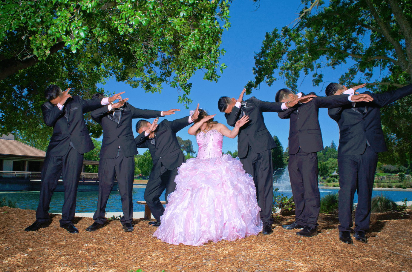 quinceanera-with-court